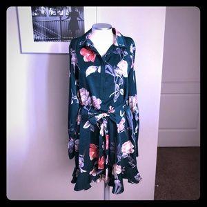 🆕 listing! Deep green floral dress